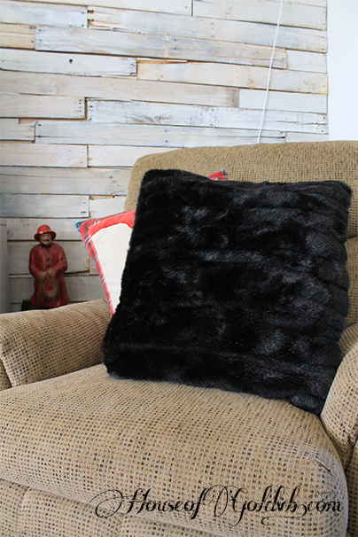 Fur Pillow_HouseofGold