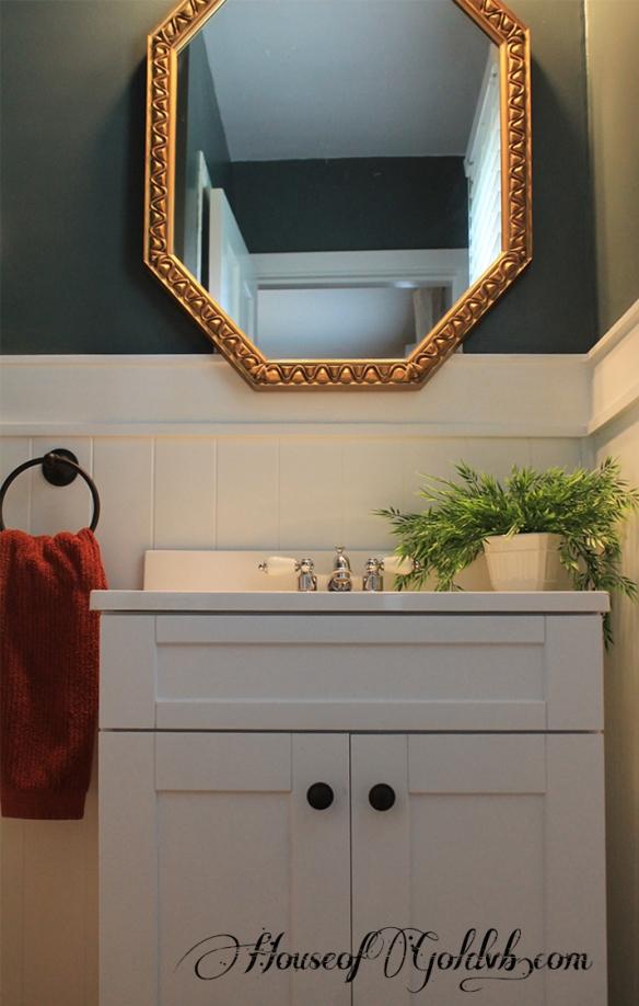 Vanity Detail_HouseofGold